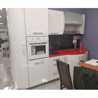 кухня Сърф в бяло с плот от Технически камък