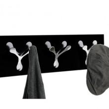 черна закачалка Spoon tre
